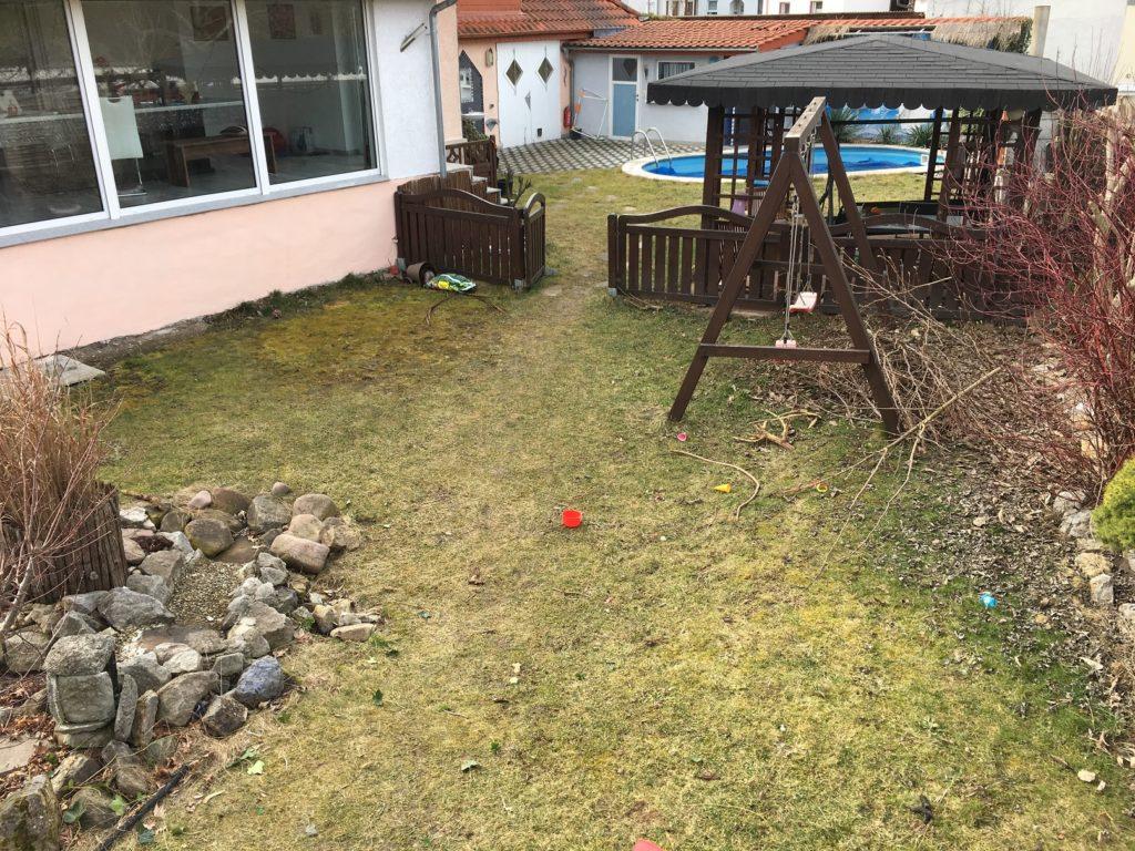 Garten nach dem Winter